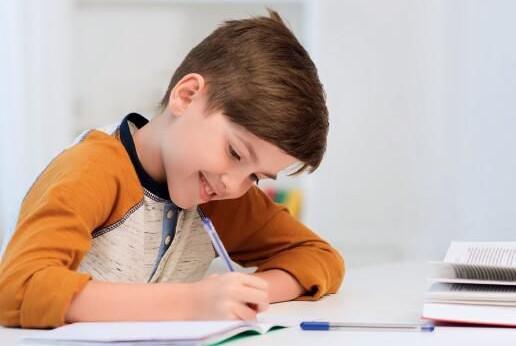 这才是陪孩子写作业的正确方式图片