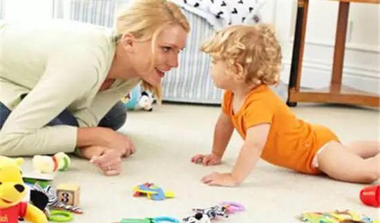 如何和0岁宝宝玩游戏