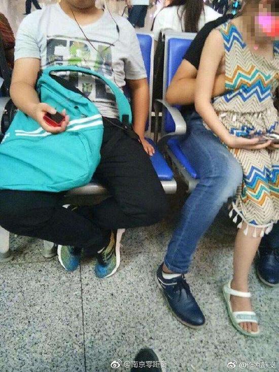 南京南站猥亵女童