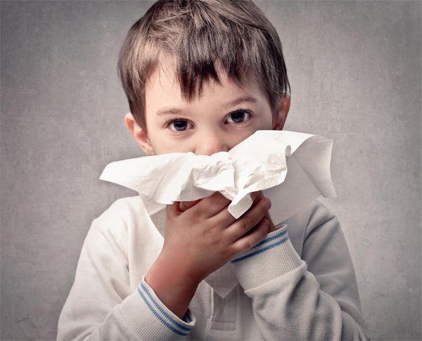 宝宝流鼻血 按压这个部位止血最有效