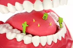 为什么早晚刷牙还会有口臭?