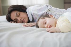 入睡,宝宝需要安抚仪式