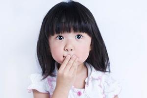 孩子内向不爱说话是孤独症?