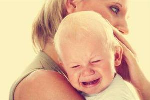 宝宝经常哭闹的原因有哪些,及怎样调理?