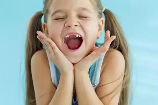 还是小孩子的时候长得很可爱,慢慢长大,一切好像就都变了,尤其是脸