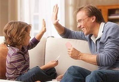 """""""正面激励""""要讲究方法 如何夸孩子有"""