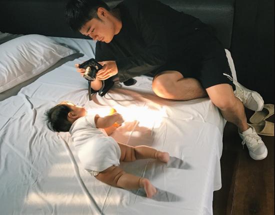陈赫与女儿