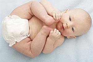 寒冷冬季给宝宝换尿布的四个技巧让小屁屁暖暖的
