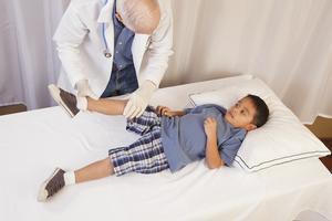 """孩子也会得""""风湿性关节炎"""" 哪些症状需警惕?"""
