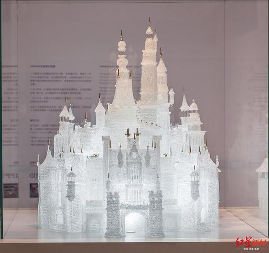 梦幻玻璃城堡破坏前(图据上海玻璃博物馆微博)