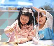 梁咏琪4岁混血女儿近照曝光