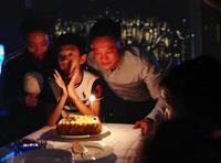 杨威为杨阳洋办派对庆生