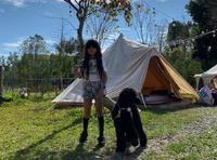 吴速玲带儿女露营享受大自然