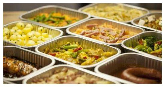 光明日报评学生餐:中小学生不吃食堂只是挑食么?