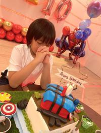林志颖为KIMI庆祝10岁生日
