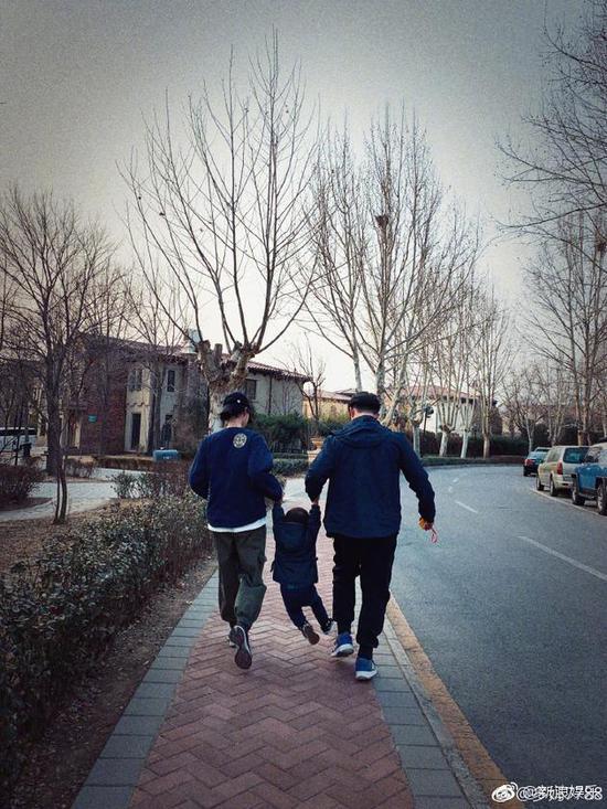 黄磊孙莉和小儿子