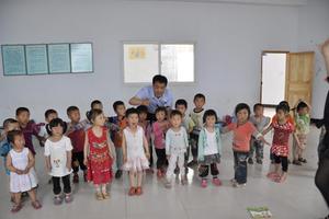 代表:幼儿园安全不能依赖摄像头 应严控幼师入口