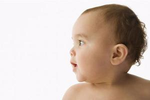 宝宝身上出现的小红点是怎么回事?