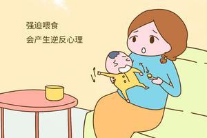 宝宝这4种表现,说明已经吃饱了