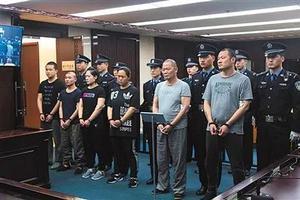 新中国以来最大盗版案:8人团伙盗版328万册童书