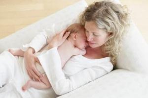 孕妇坐月子躺出脑血栓:除上厕所不下床 天天肉汤