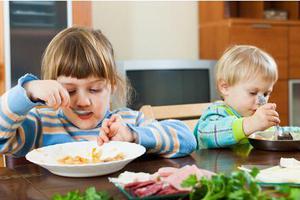 看见什么吃什么?治疗小儿积食关键在饮食调理