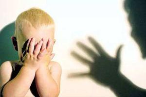 幼师拎小孩转圈孩子大哭 园方致歉涉事教师停职