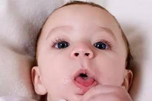 宝宝出现咳嗽伴有痰时,需要怎样治疗?