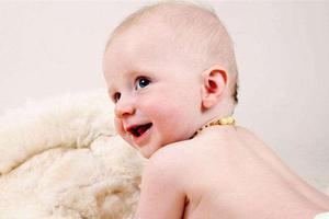新生儿期出现水样便时,需要怎样治疗?