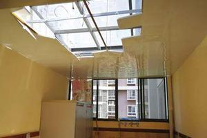 长沙一所幼儿园连遭弹珠袭击 顶楼玻璃被击穿两次