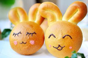 烘焙就是要快乐的玩--萌兔面包(图)