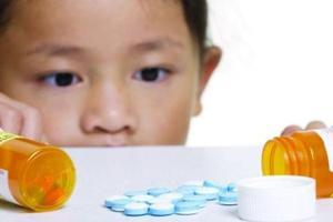 小孩慎用大人药 危害多多需注意