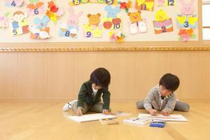 """教育部出手将整治幼儿园""""小学化"""" 网友们却吵翻"""