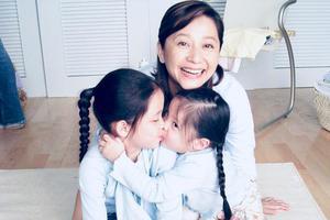 欧阳娜娜晒童年旧照为妈妈庆生:想你想家了