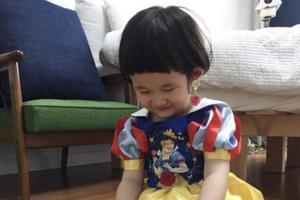 韩男星3岁儿子爱穿粉色扮公主 爸爸:他幸福最重要