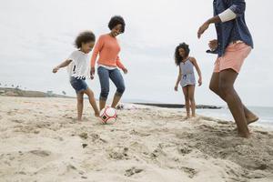打赤脚的孩子运动技能更高