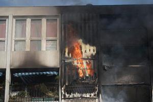 法国男童玩火酿灾致4尸5命 恐被判处终身监禁