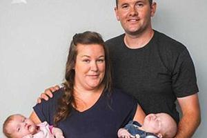 女子双子宫同时怀孕生两宝宝 生第一胎未发现异常