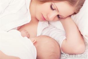 很黄的初乳正常吗?宝宝可以喝吗?
