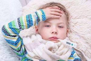 宝宝体温升高就是发烧?别傻了