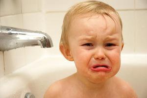 英国研究:婴幼儿时期压力可导致多动症