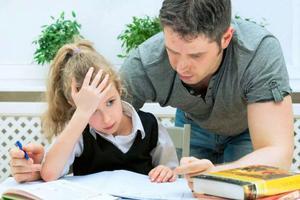 没人忍心告诉你,陪娃写作业90%以上都是没用的