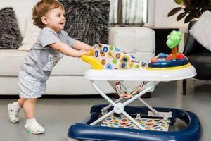 研究显示美国仍有许多婴儿因使用学步车而受伤