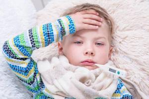 孩子不明原因发烧 关注几种病