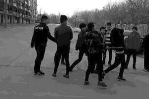 河北一男生遭围殴 教育局:打人学生道歉并获谅解