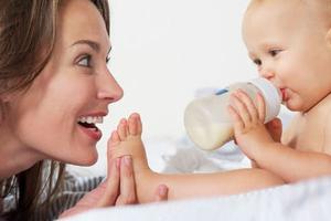 原来宝宝在这个时候,就已经能听懂大人话了
