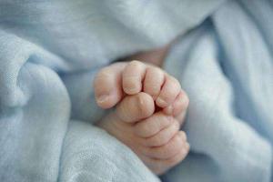 意大利62岁高龄孕妇剖腹产 成功诞下健康女婴
