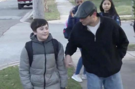 """美国11岁男孩因姓""""特朗普"""" 被校园霸凌到改姓"""