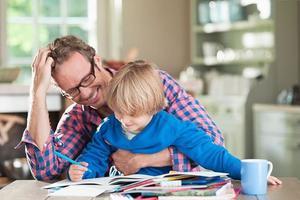 """父母辅导孩子做作业""""四步法"""""""