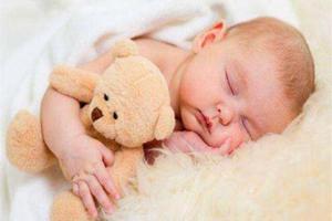 孩子从小跟奶奶睡和跟妈妈睡,长大后有啥区别?